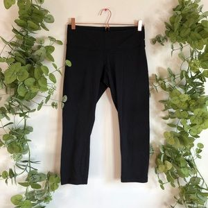 Lululemon Mid Rise Black Cropped Leggings 8